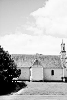 casa rural blanco y negro